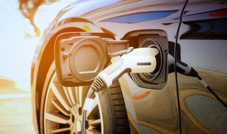 Installateur Hager agréé pour la pose de borne de recharge pour voitures électriques Bédoin
